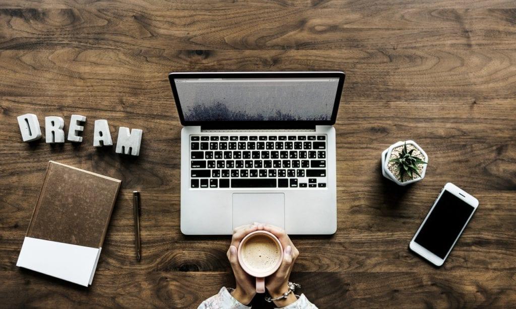 Trabalhadores do sexo on-line: como funciona